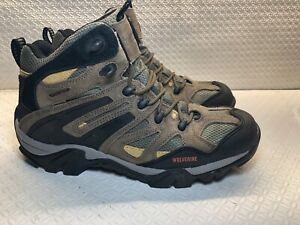 mens walking boots size 8