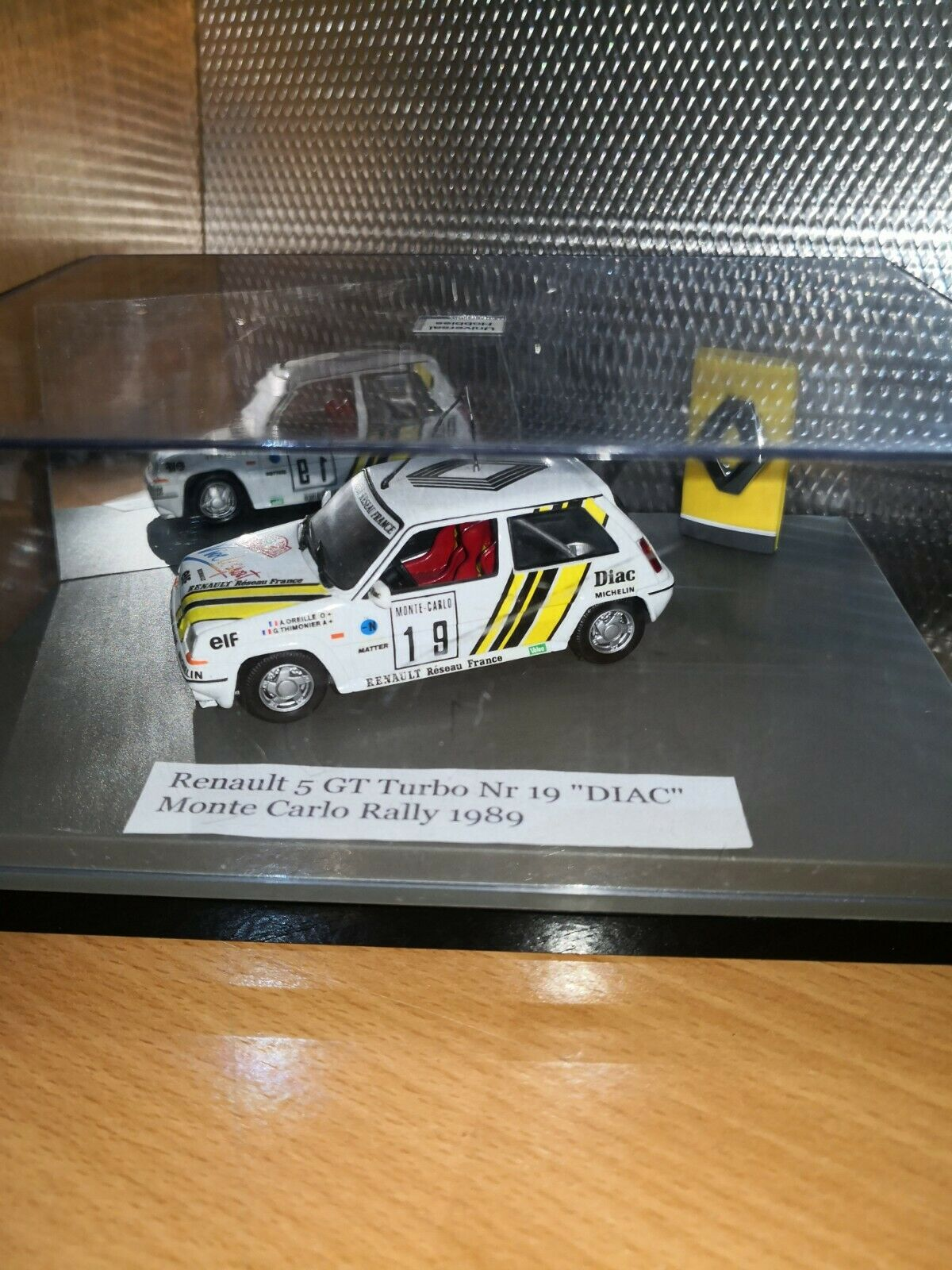 Renault 5 gt turbo N 19  Diac uh 1 43