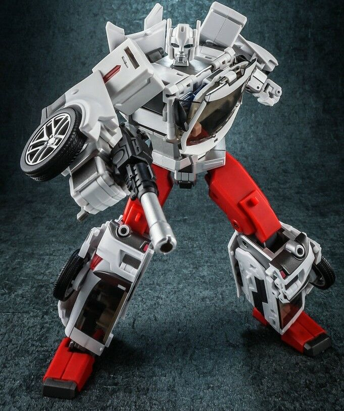 New Transformers Generation Toy GT-08A Guardian Sarge Defensor Streetwise MISB