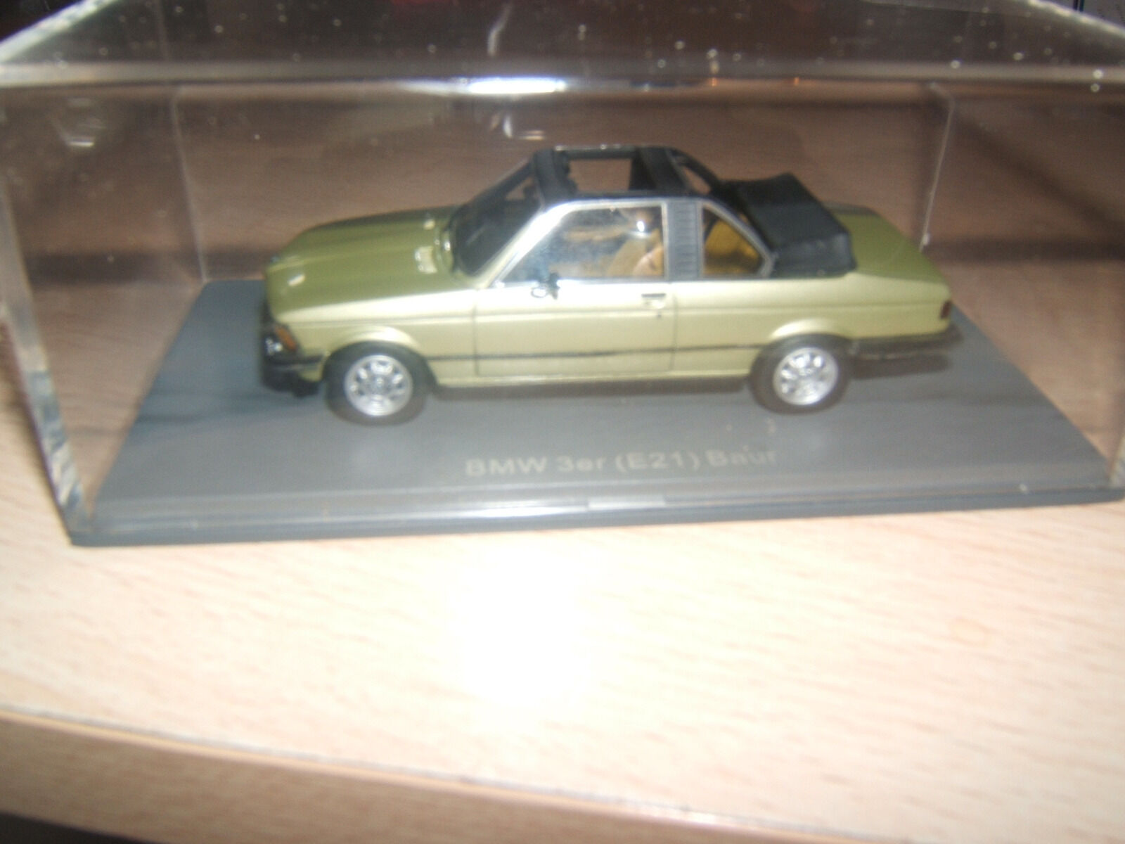 BMW 3er (E21) Baur SCALE MODEL 1 43