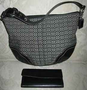 8ef7114546be Image is loading Coach-Black-Signature-Hobo-shoulder-Handbag-M0772-F10923-