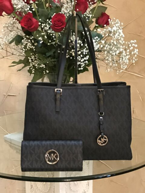 3daef1adbf8b NWT MICHAEL KORS JET SET TRAVEL LARGE EW TOTE BLACK SIGNATURE BAG + WALLET  SET