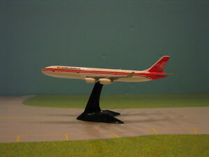 HERPA WINGS (504539) AIR LANKA A340-300 WITH STAND 1:500 SCALE DIECAST MODEL