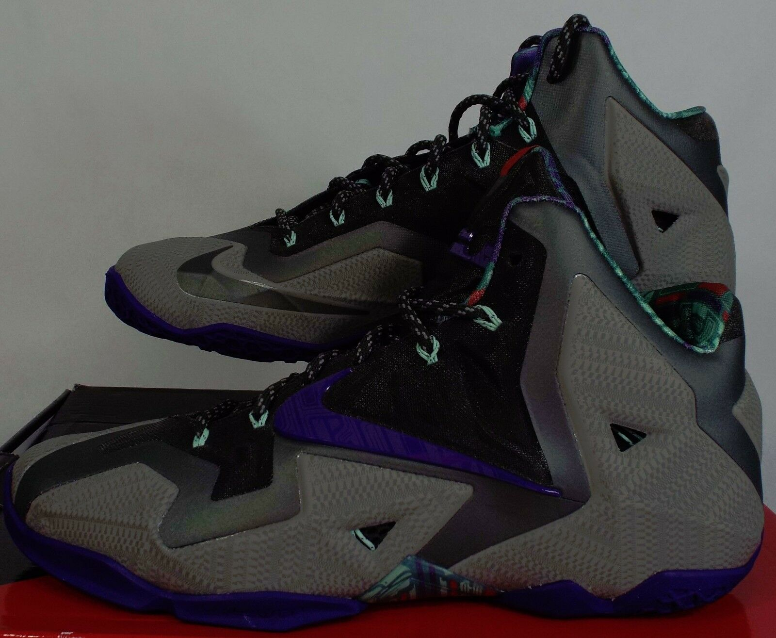 New Hommes 11.5 NIKE Lebron XI  Gray Violet Basketball Chaussures  XI 200 616175-005 ded735