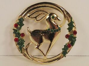 Beatrix-Deer-Reindeer-Circle-Pin-Christmas-Goldtone-Metal-Jewelry-Vintage-Clasp
