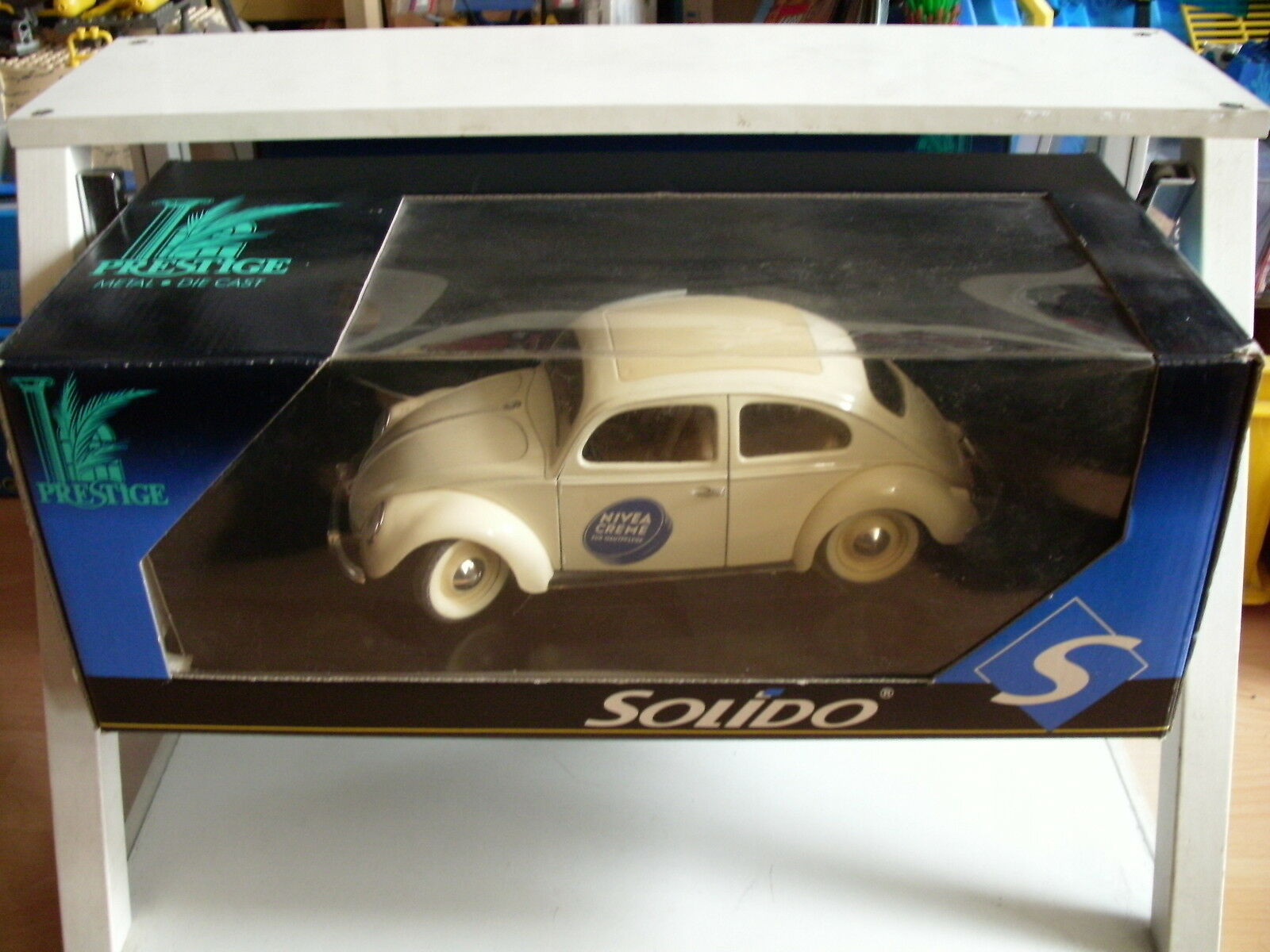 Solido Prestige VW Volkswagen Beetle Nivea Creme in White on 1:18 Box