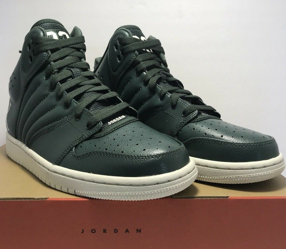 8d0dcfe2b72 Nike Air Jordan 1 Mens Size 8.5 Flight 4 Grove Green Basketball shoes