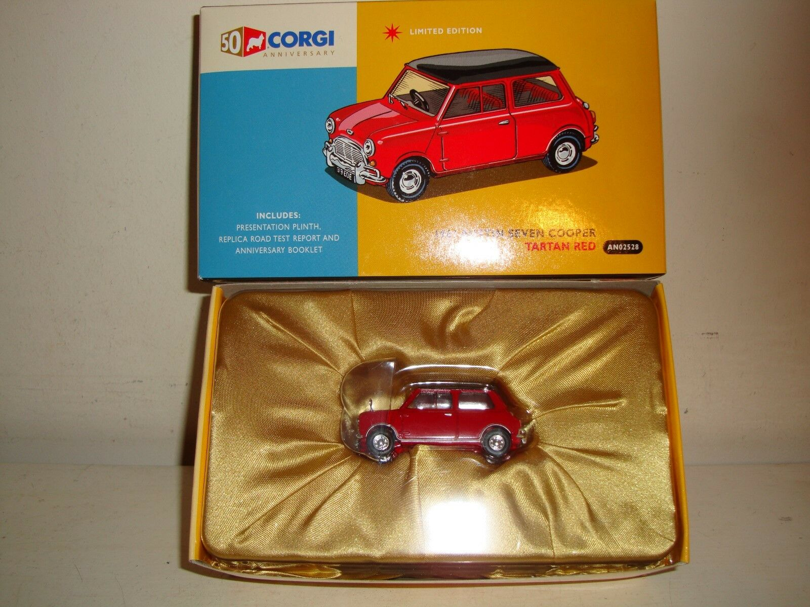 Corgi AN02528 -1961 -1961 -1961 Austin Siete Mini Cooper-Tartán rojo-LTD ED (0101) nuevas C 2006 280e67