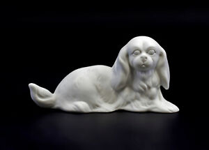9942554-Porcelain-Figurine-Wagner-amp-Apel-Pekinese-Dog-White-Bisque-12x6cm