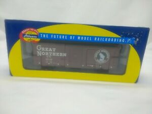 HO-ATHEARN-RTR-70468-40-039-BOXCAR-Youngstown-Door-GREAT-NORTHERN-18748-IOB