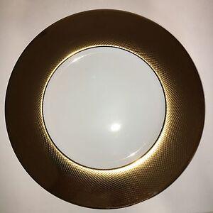 Deux-assiettes-de-presentation-or-CHRISTOFLE-porcelaine-de-Limoges-Lot-1
