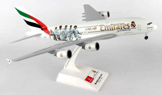 Emirates airlines - real madrid - airbus a380 - 800 - 200 - skymarks skr880 neu