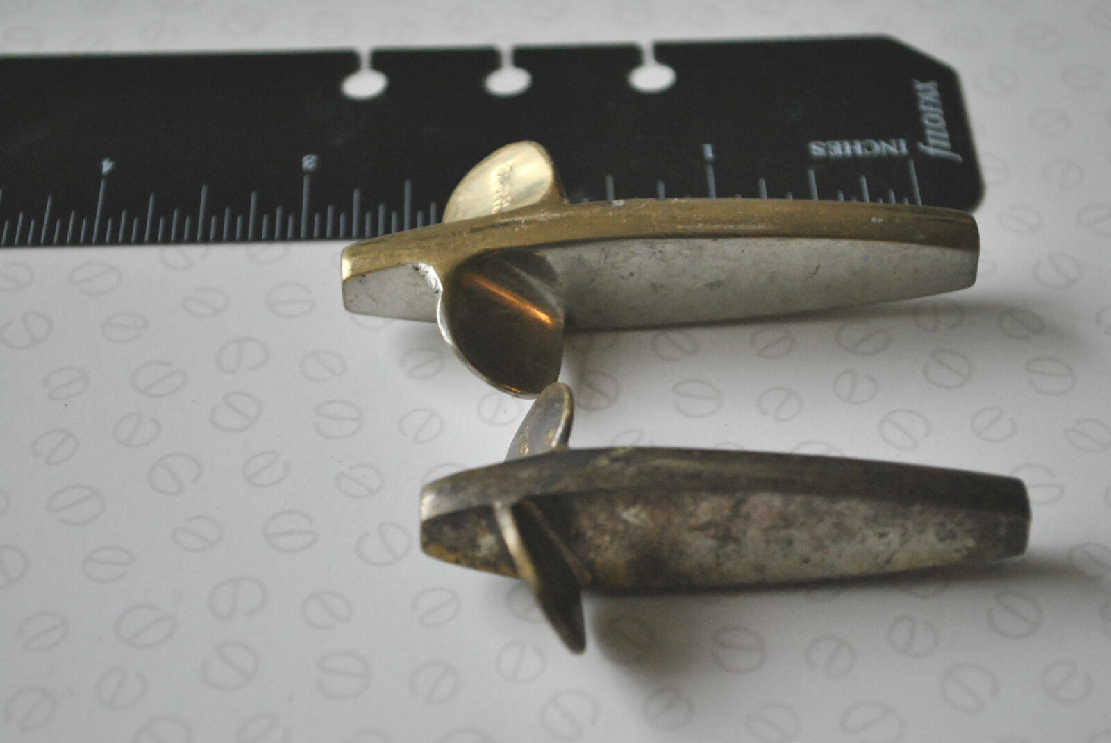 2 LARGE VINTAGE HARDY 2 COLOUR HEAVYWEIGHT REFLEX DEVON LURES