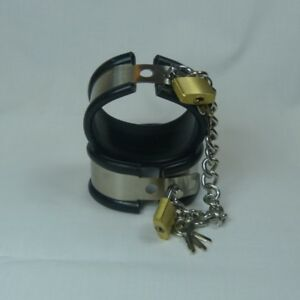 Locking-steel-cuffs-with-rubber-liner-and-chain-Large-CU-107-FREE-UK-DELIVERY