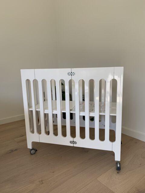 buy popular 145c4 9c2c8 BLOOM Alma Mini Crib WHITE Inc. Mattress AS NEW!