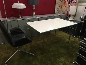 fritz hansen arne jacobsen tisch mit alukante ebay. Black Bedroom Furniture Sets. Home Design Ideas