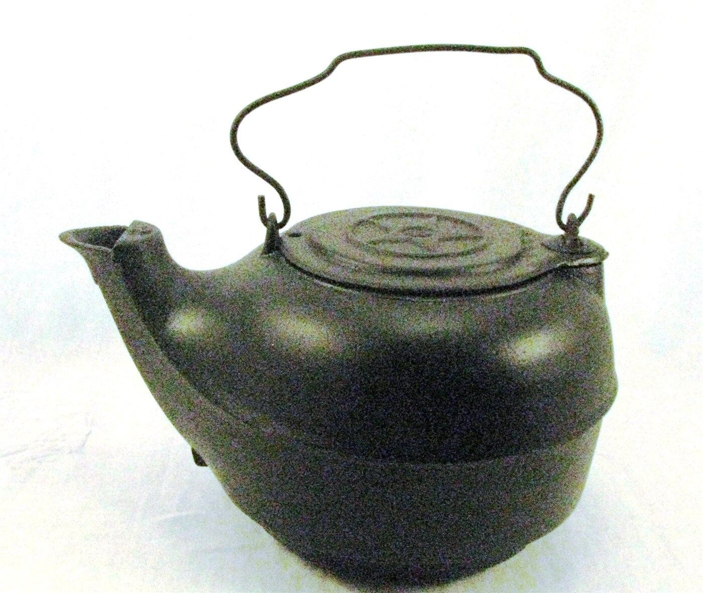 ANTIQUE BIRD SPOUT CHATTANOOGA STOVE STAR 8 CAST IRON CAMP FIRE TEA KETTLE POT