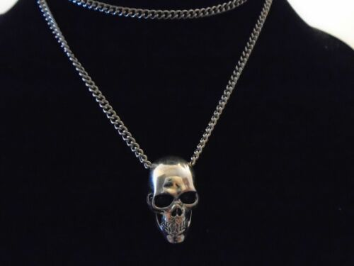 """HIGH quality UNIQUE detailed silver plate  skull  solid pendant w// 27/"""" necklace."""