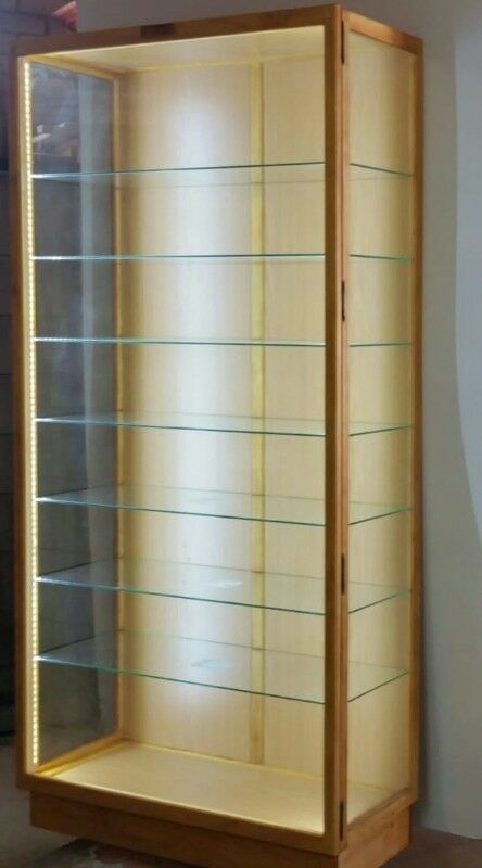 Glass Display Cabinet With Unrestricted View Dust Proof