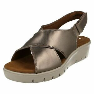 c96f8ad51f7 Image is loading LADIES-CLARKS-UNSTRUCTURED-GOLD-METALLIC-SANDAL-UN-KARLEY-