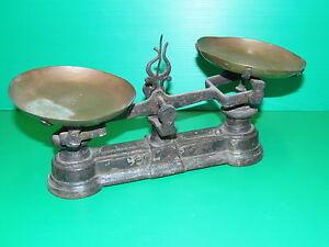 petite balance roberval xixe plateaux laiton jus de grenier deco cuisine poids ebay. Black Bedroom Furniture Sets. Home Design Ideas