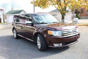 Ford Flex Limited 4WD, tout équipé, int. cuir, IMPECCABLE!
