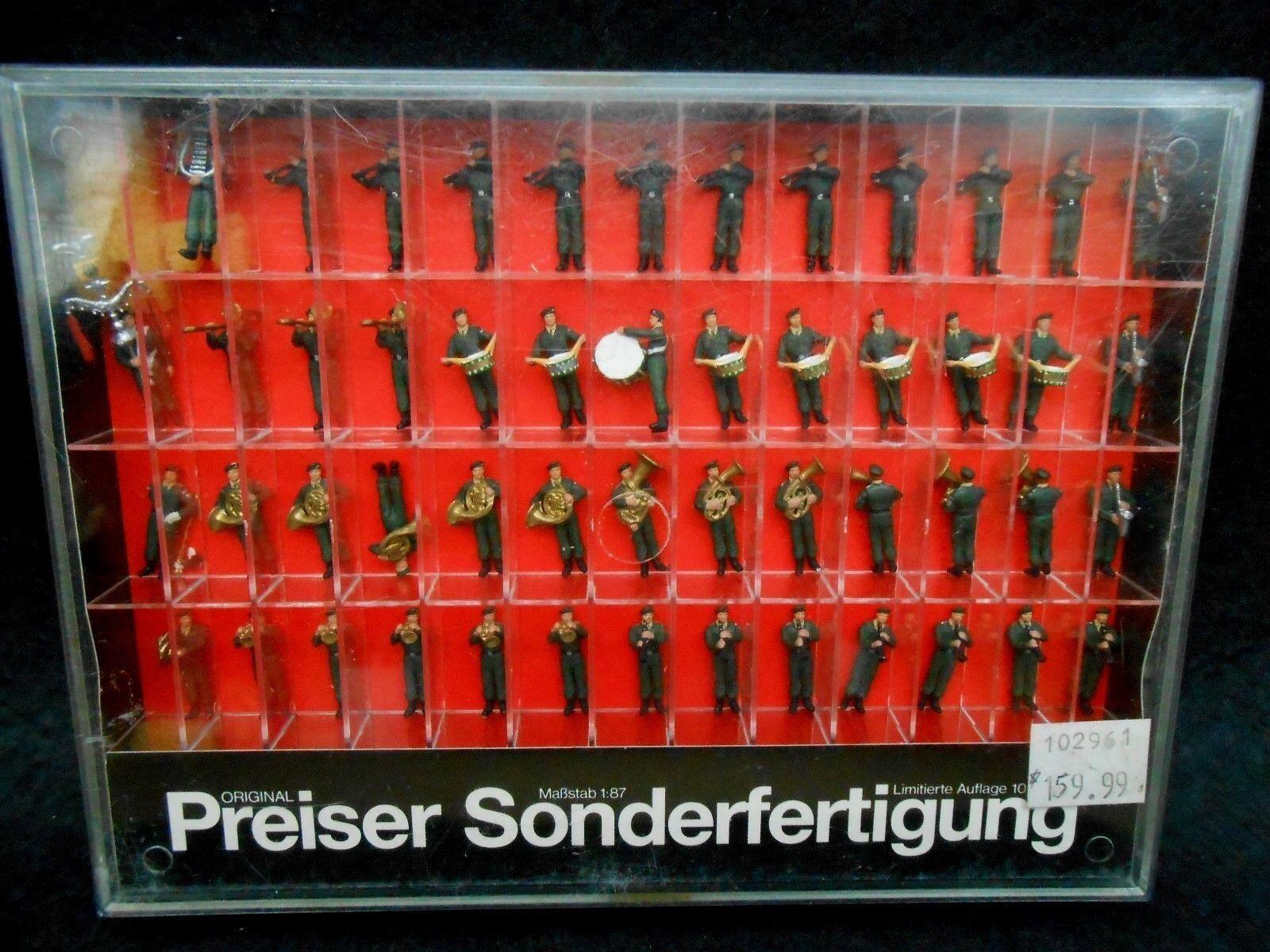 Vintage PREISER HO 1:87 ~  MUSIC CORPS, GERMAN FEDERAL BORDER GUARD ~    00270
