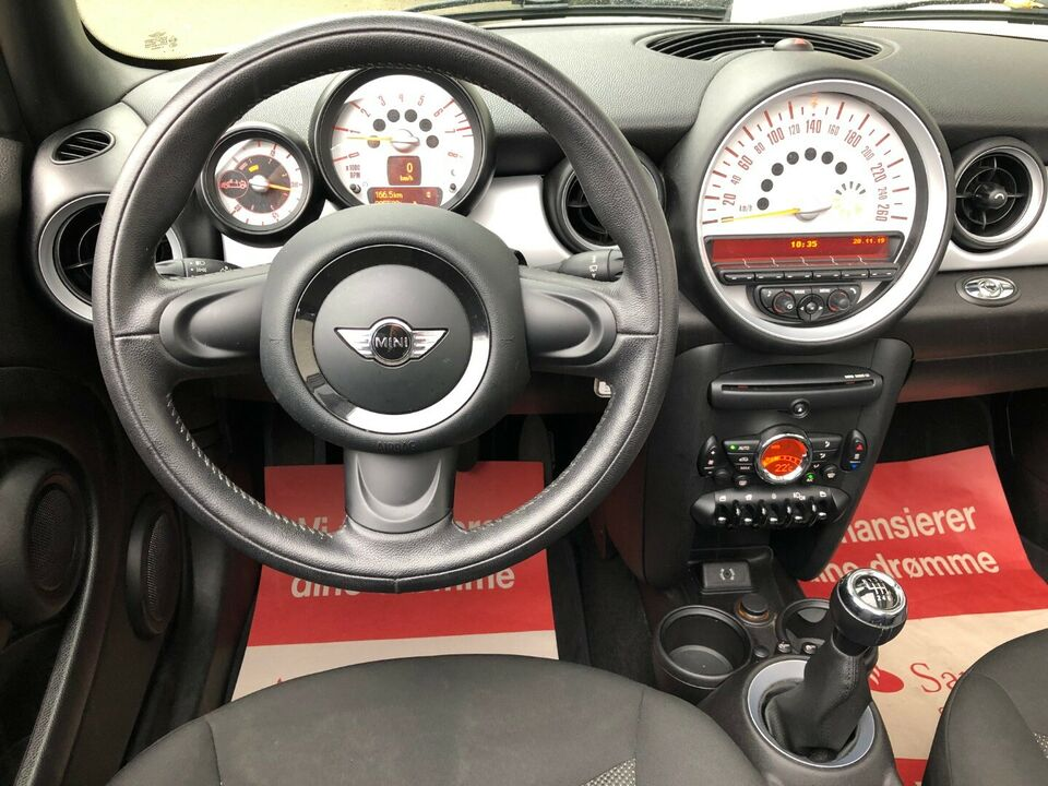Mini Cooper 1,6 Cabriolet Benzin modelår 2014 km 86000 Hvid