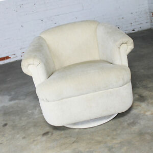 Superb Details About Barrel Shaped Off White Vintage Swivel Club Chair With Rolled Arms Theyellowbook Wood Chair Design Ideas Theyellowbookinfo