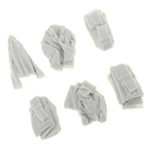Unpainted 1//35 Resin Soldier WWII Scene Accessories Models Clothes Shoes Hats