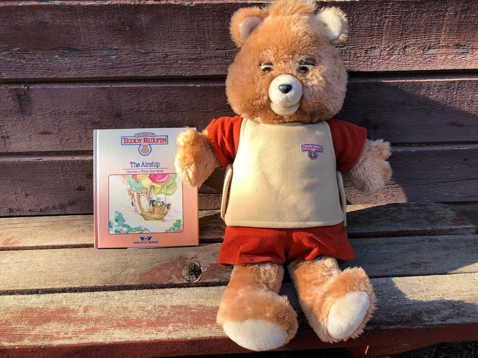 Vintage TEDDY RUXPIN Talking Bear w Book and Tape The Airship Works