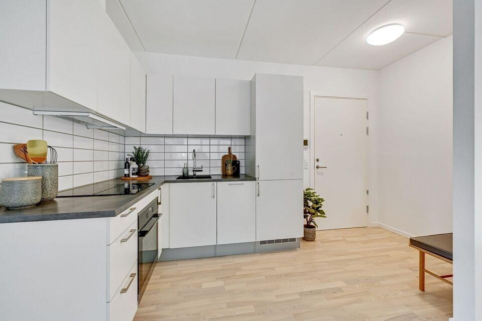 8240 vær. 4 lejlighed, m2 90, Brassøvej