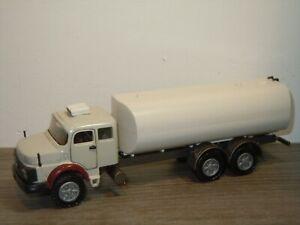 Mercedes-1513-Petrol-Tanker-Arpra-Supermini-Conrad-Code-3-Model-1-50-36926