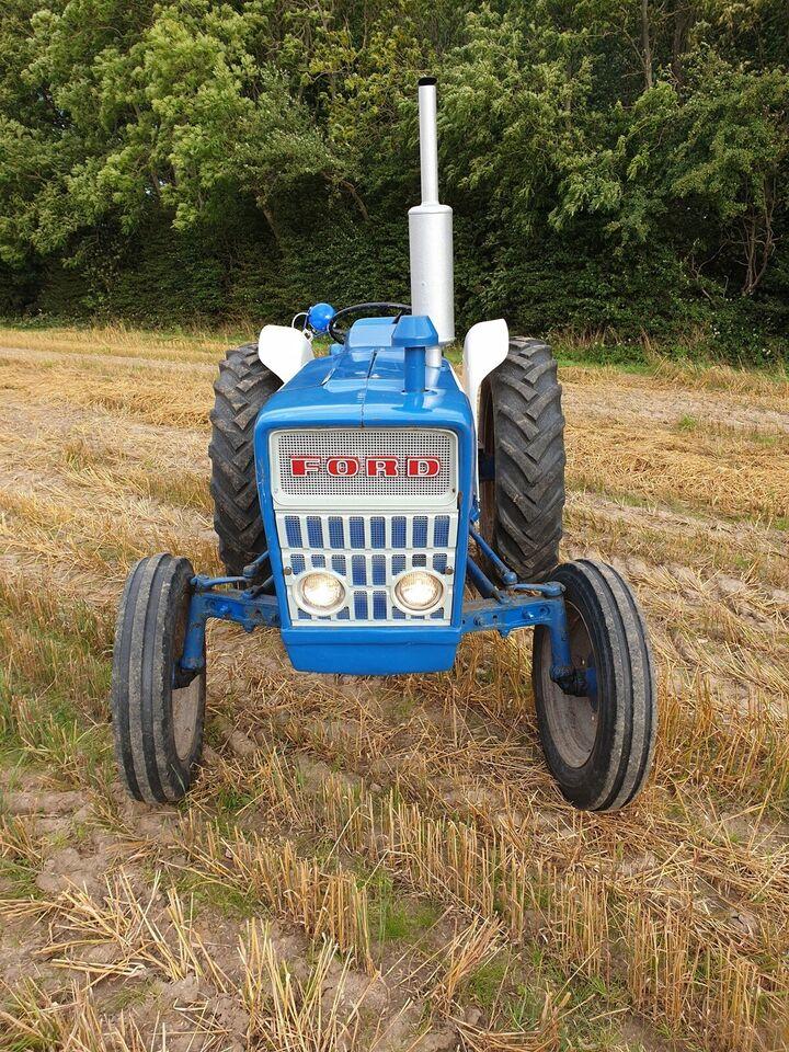 Traktor, Ford 3000 Y model