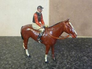 BRITAINS-No-237-RACING-COLOURS-OF-FAMOUS-OWNERS-H-M-THE-KING-BOXED