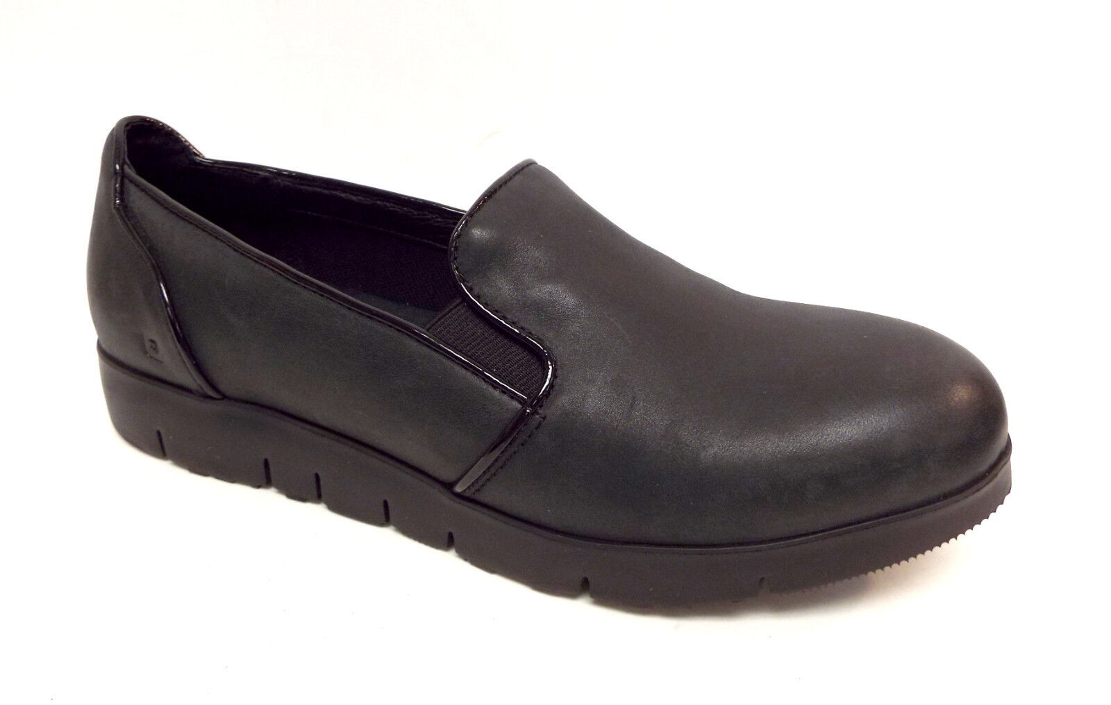 New TSUBO Size 10 EBONEE Black Leather Loafers Shoes