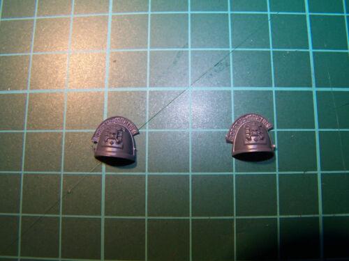 2 Space Marine Command Squad Deathwatch Shoulder Pads bits