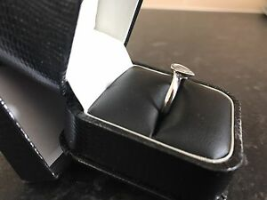 18ct-Solid-White-Gold-0-33ct-Diamond-ring