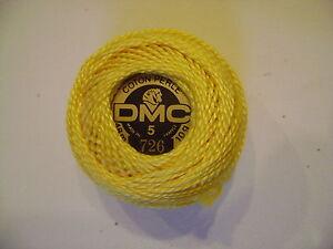 une-boule-de-coton-perle-DMC-grosseur-N-5-coloris-N-726-article-116