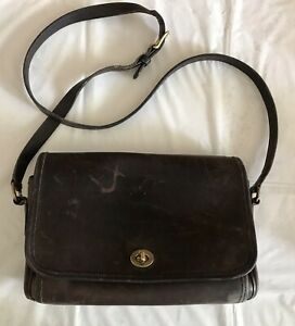 VTG-COACH-Distressed-Brown-Leather-9812-Ridgefield-Flap-Lock-Shoulder-Bag-Purse