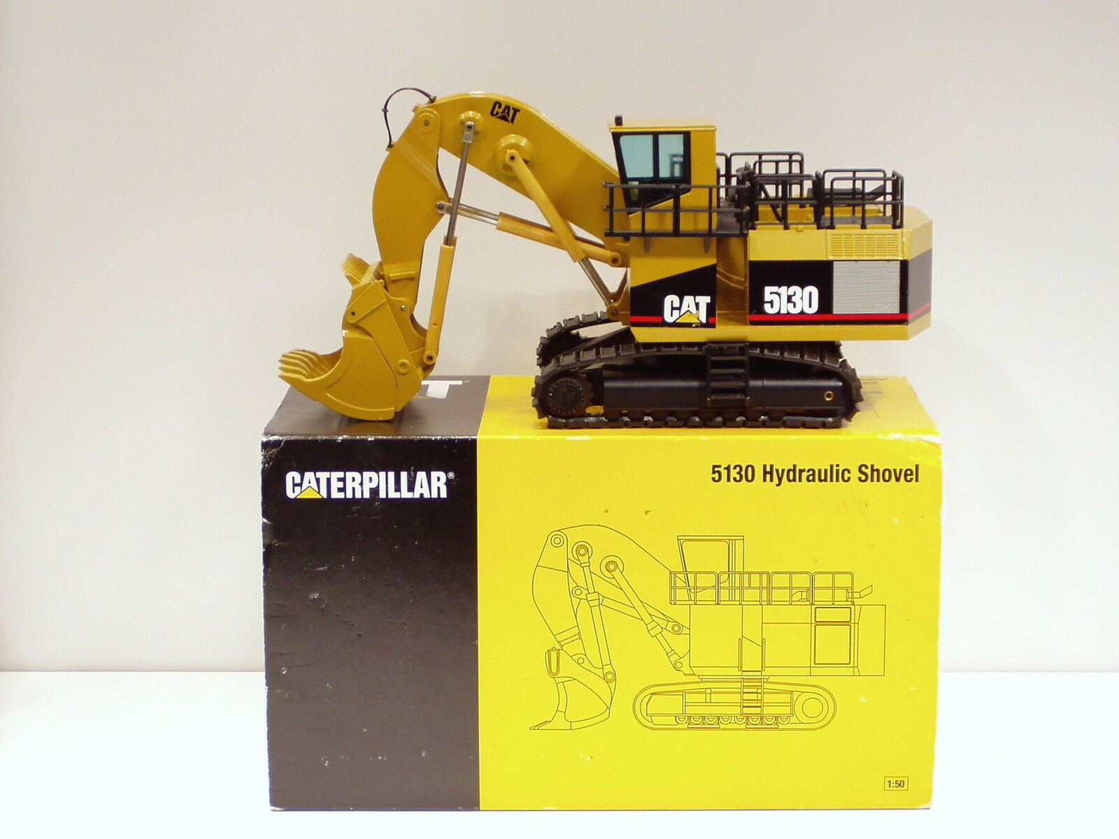 Caterpillar 5130 Pelle -  Lancement Edition  - 1 50 - NZG  391 - N. Comme neuf IN BOX