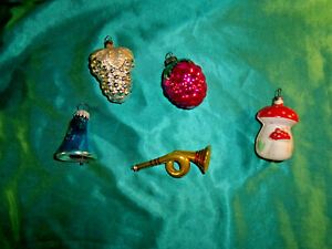 5-alter-Christbaumschmuck-Pilz-Erdbeere-Traube-Horn-Glocke-Glas-weiss-silber-rot