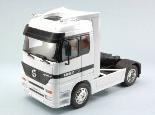Mercedes Actros White 1:32 Welly WE2280W