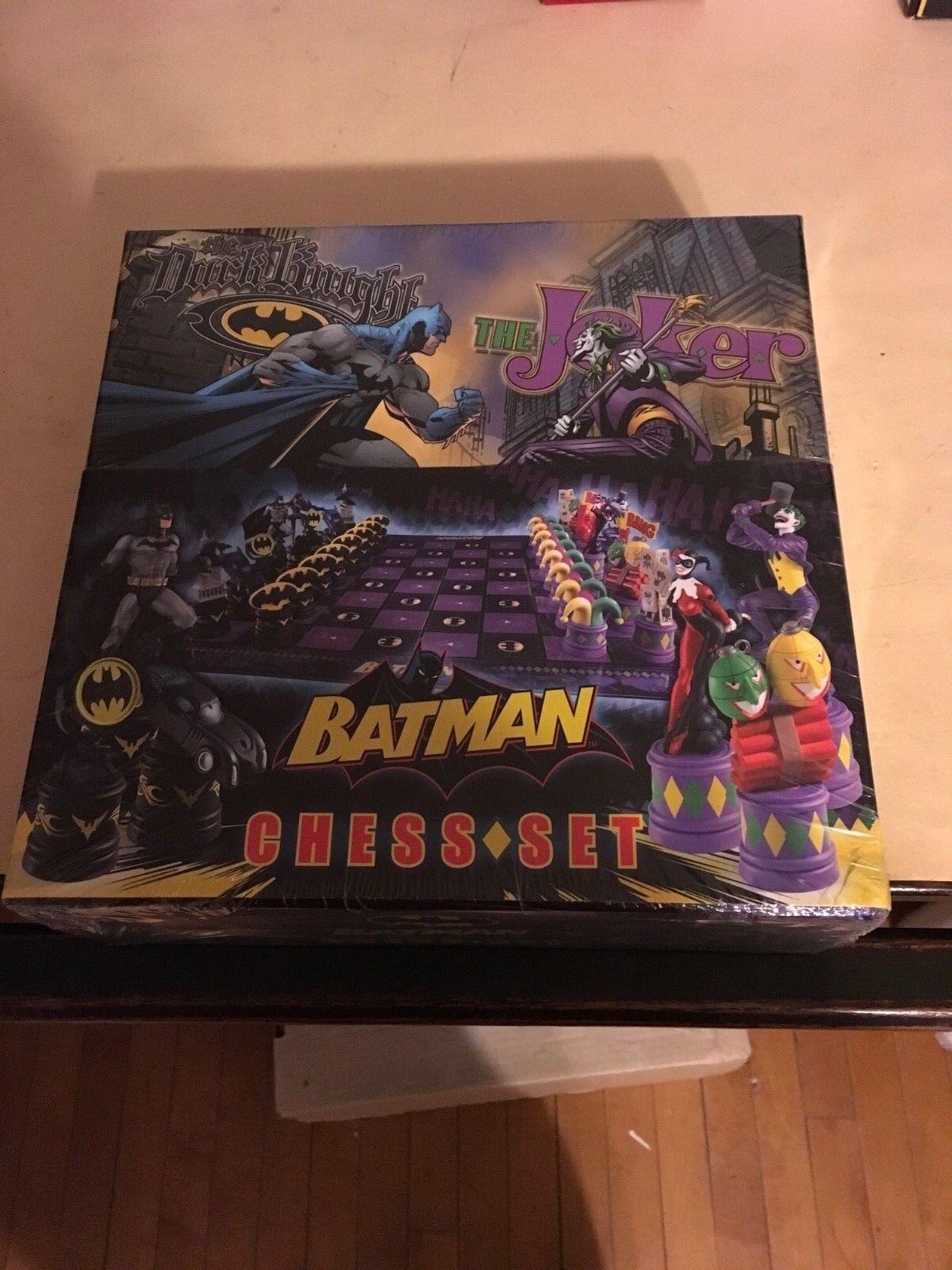 Batman chess set noble collection dark knight vs joker
