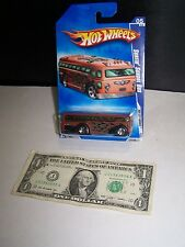 Hot Wheels - Brown/Flames - Surfin School Bus - HW City Works #5 - 2009