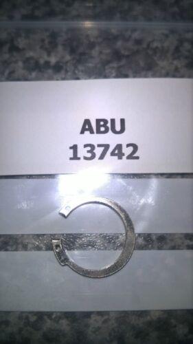 REF# 13742. ABU CARDINAL 3 /& 3 ROYAL PLUS ROTATING HEAD  BEARING RETAINER CLIP
