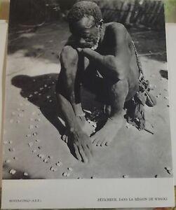 1954-Moyen-Congo-A-E-F-Feticheur-dans-la-Region-de-M-039-Baiki