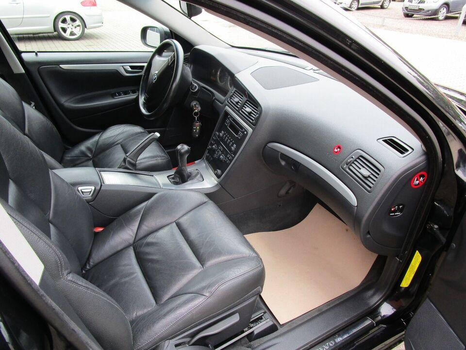 Volvo S60 2,4 140 Benzin modelår 2008 km 148000 Sortmetal