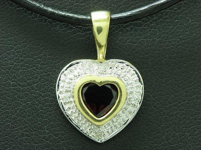 8kt 333 yellowgold Anhänger in Herz Form mit Diamant & 0,90ct Granat Besatz   1,7g