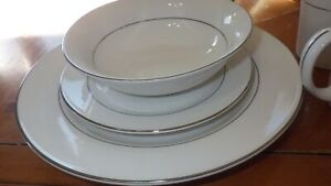 Dinnerware set Tuxedo Platinum by GIBSON DESIGNS White platinum rim verge ser 6